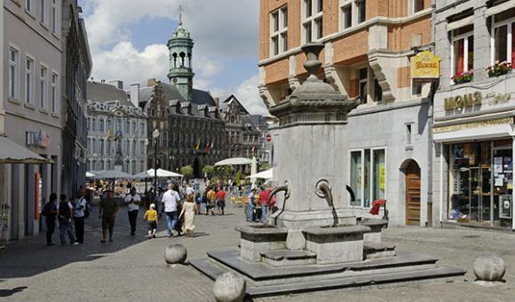 A pedestrian city centre (c) WBT - JP.Remy