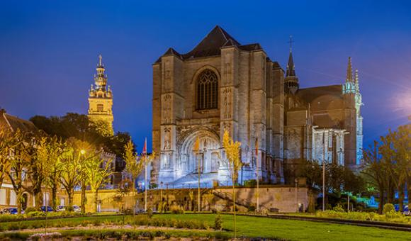 Sainte-Waudru collegiate church and the Belfry are listed UNESCO sites (c) WBT - Anibal Trejo