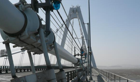 GNSS long bridge monitoring system by CGEOS