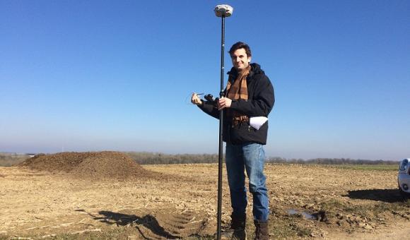 Le GNSS de haute précision est utilisée par les professionnels de la mesure et de la topographie. Désormais il est disponible pour tous !