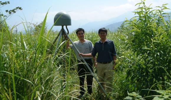 Réseau de surveillance par GNSS pour les zones sismiques