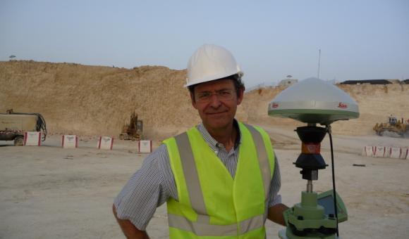 Combinaison GNSS et prisme de mesure à 360°