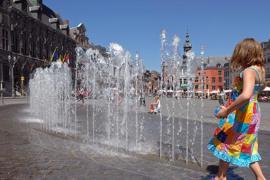 La Grand Place de Mons avec son Hôtel de Ville (c) WBT - J.Jeanmart