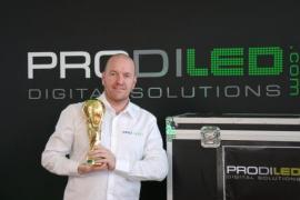 Jean-Marc Van Bever a remporté le gros lot, son entreprise fournira les écrans pour la cérémonie de clôture de la Coupe du Monde.